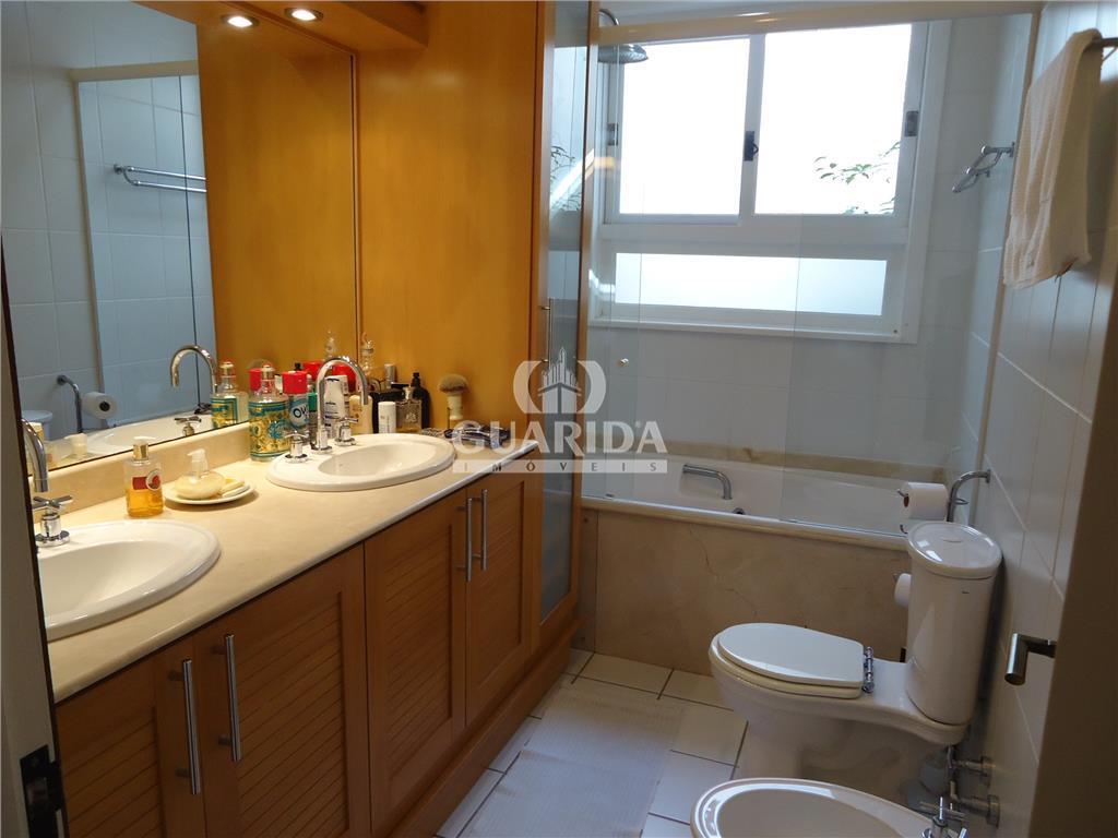 Casa de 4 dormitórios à venda em Guarujá, Porto Alegre - RS
