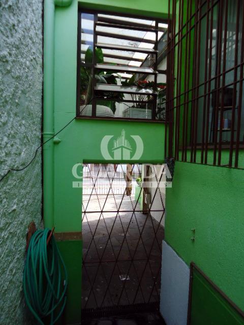 Casa de 3 dormitórios à venda em Porto Alegre - RS