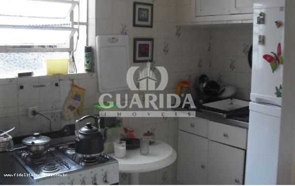 Casa de 6 dormitórios à venda em Santo Antônio, Porto Alegre - RS