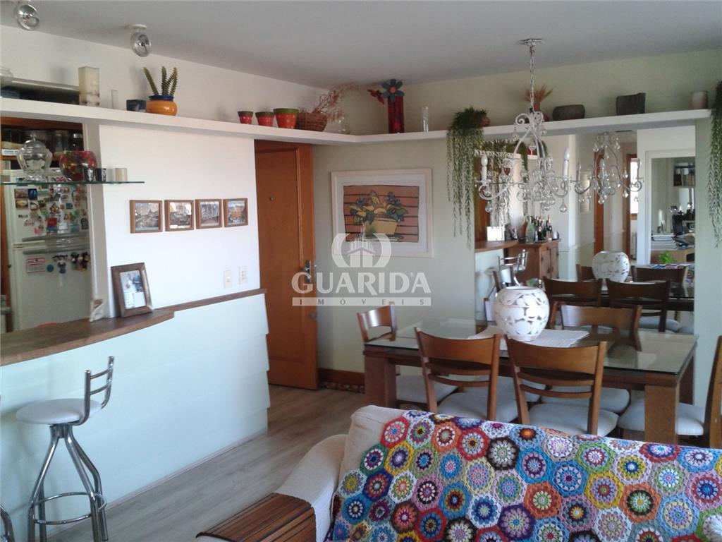 Apartamento de 3 dormitórios à venda em Porto Alegre - RS